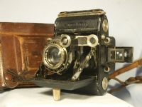 '      530  Super Ikonta  ' Zeiss Ikon Super Ikonta 530 r Camera c/w Tessar Lens  Cased £99.99